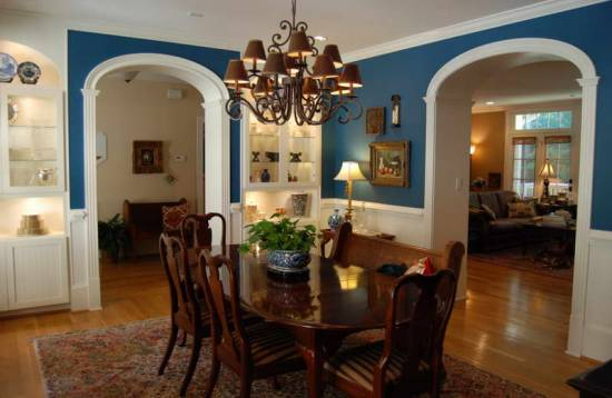 Dining room wall decor - Cozy And Pleasant Country Dining Room With Blue Walls- harpmagazine.com