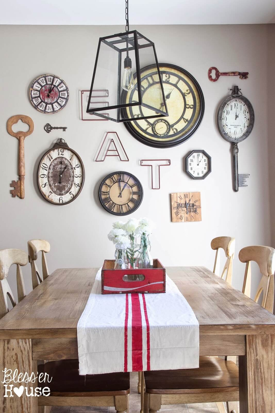 29 best dining room wall decor ideas 2018 modern for Wall decor arrangements